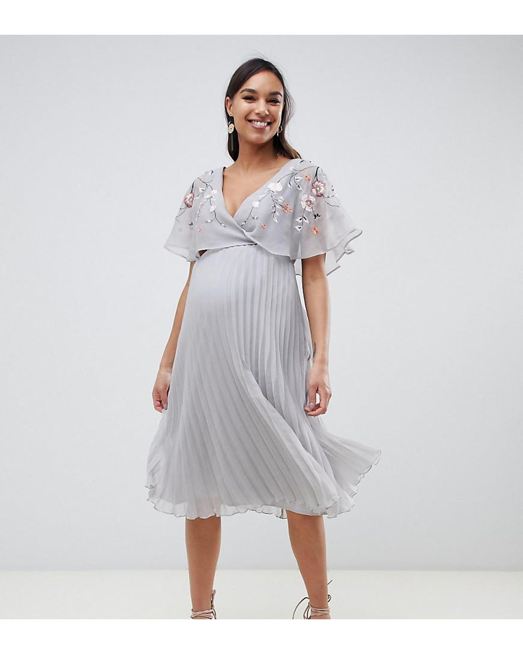 2b17b9243b388 ASOS Asos Design Maternity Flutter Sleeve Midi Dress With Pleat Skirt In  Embroidery in Gray - Lyst