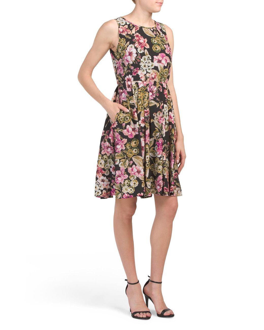 4d7bfa9a5afea Tj Maxx Floral Pleated Midi Dress in Black - Lyst