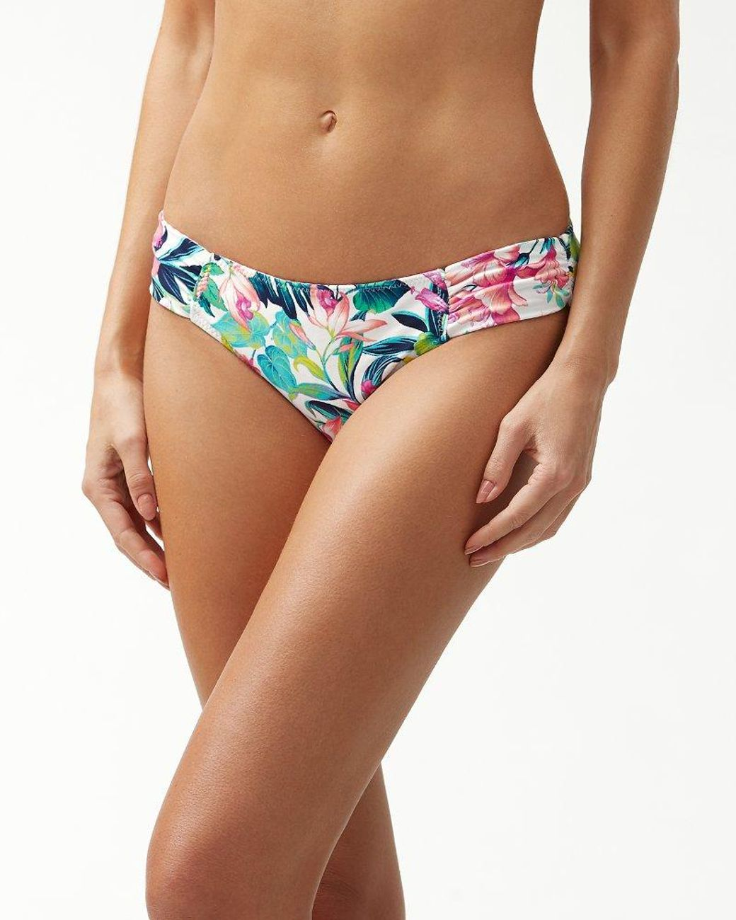 9422864fac2fb Lyst - Tommy Bahama Fleur De Flora Reversible Side-shirred Hipster Bikini  Bottoms in White