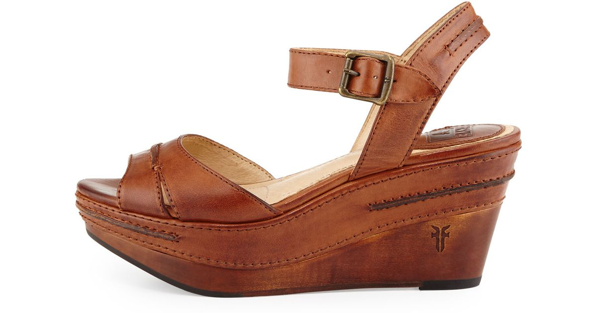 4e747dcba90 Lyst - Frye Carlie Seam Leather Wedge Sandal in Brown