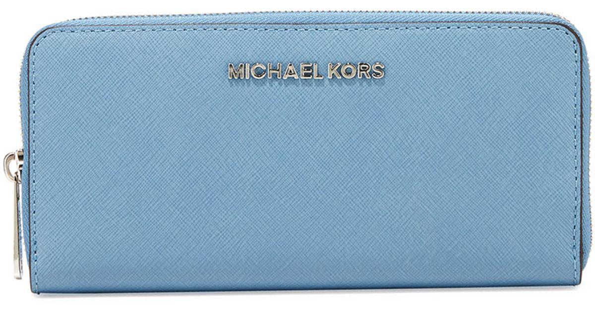 e22c08a860e8 Lyst - MICHAEL Michael Kors Jet Set Travel Continental Saffiano Wallet in  Blue