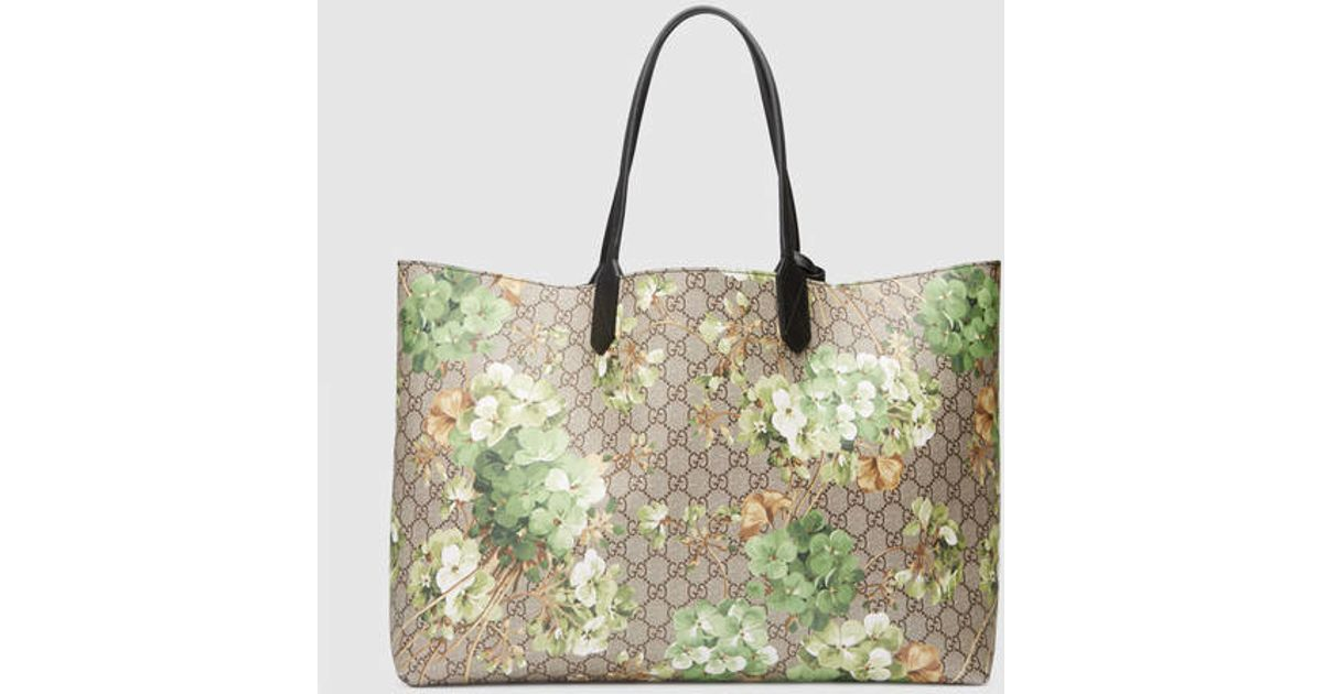 2df42ebb0b37 Gucci Reversible Gg Blooms Leather Tote in Gray - Lyst