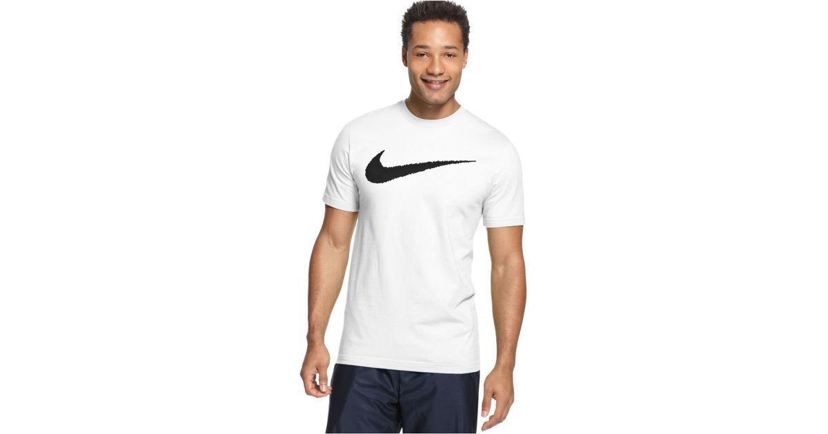 935265c9 Nike Men's Hangtag Swoosh T-shirt in Black for Men - Lyst
