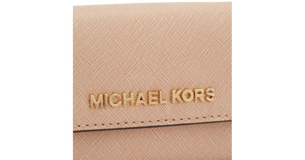 cc420b524aea Michael Kors Jet Set Travel Blush Leather Wallet in Natural - Lyst