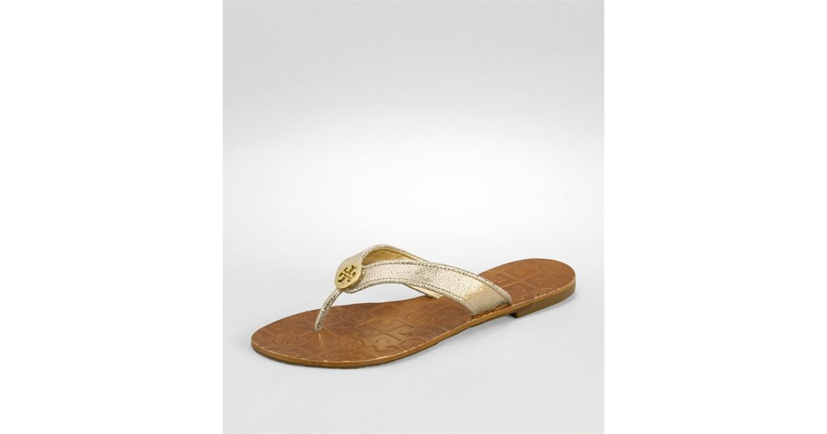 31e4cd9fe85a Lyst - Tory Burch Glitter Thora Thong Sandals in Metallic