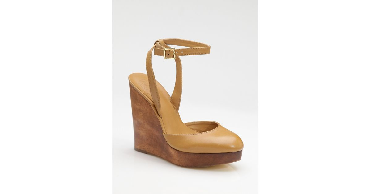 744be6abf Lyst - Tory Burch Drea Wood Wedge Sandals in Brown