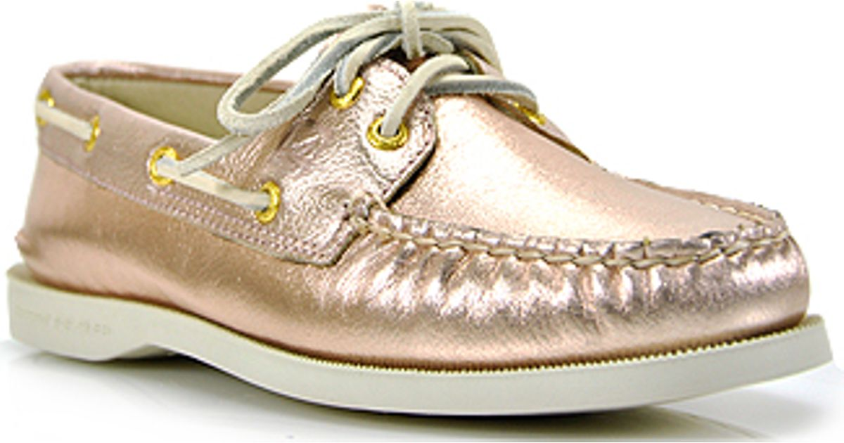 4913ab671148 Sperry Top-Sider Authentic Original 2 Eye Rosegold Metallic Leather Boat  Shoe in Metallic - Lyst