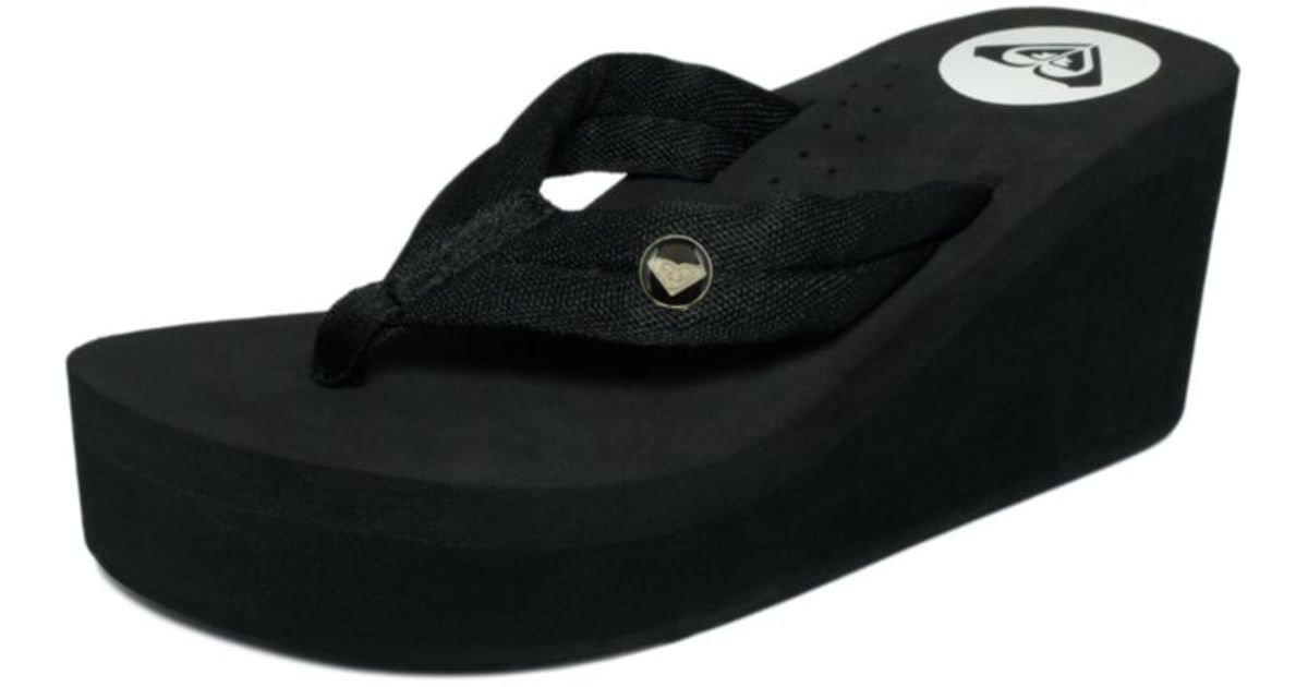 342a848de4dc2 Lyst - Roxy Pagoda Thong Sandals in Black
