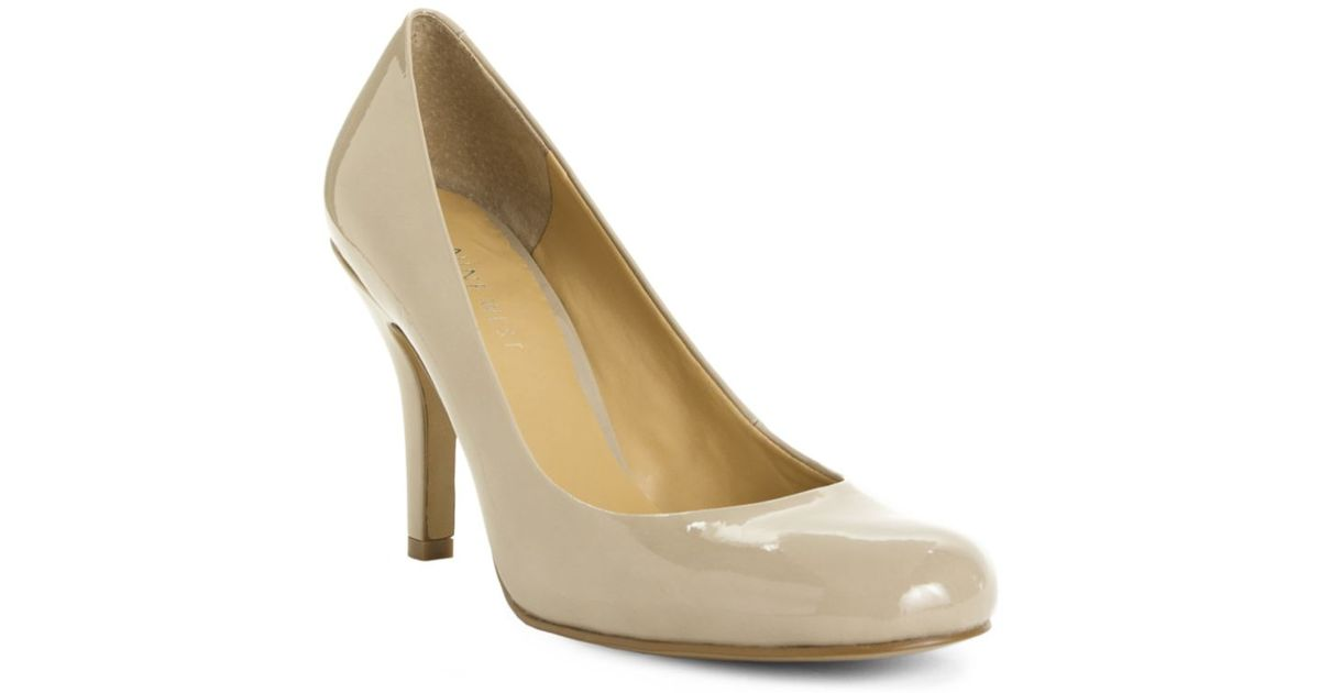 21cedee8c1c Lyst - Nine West Ambitious Pumps in Natural