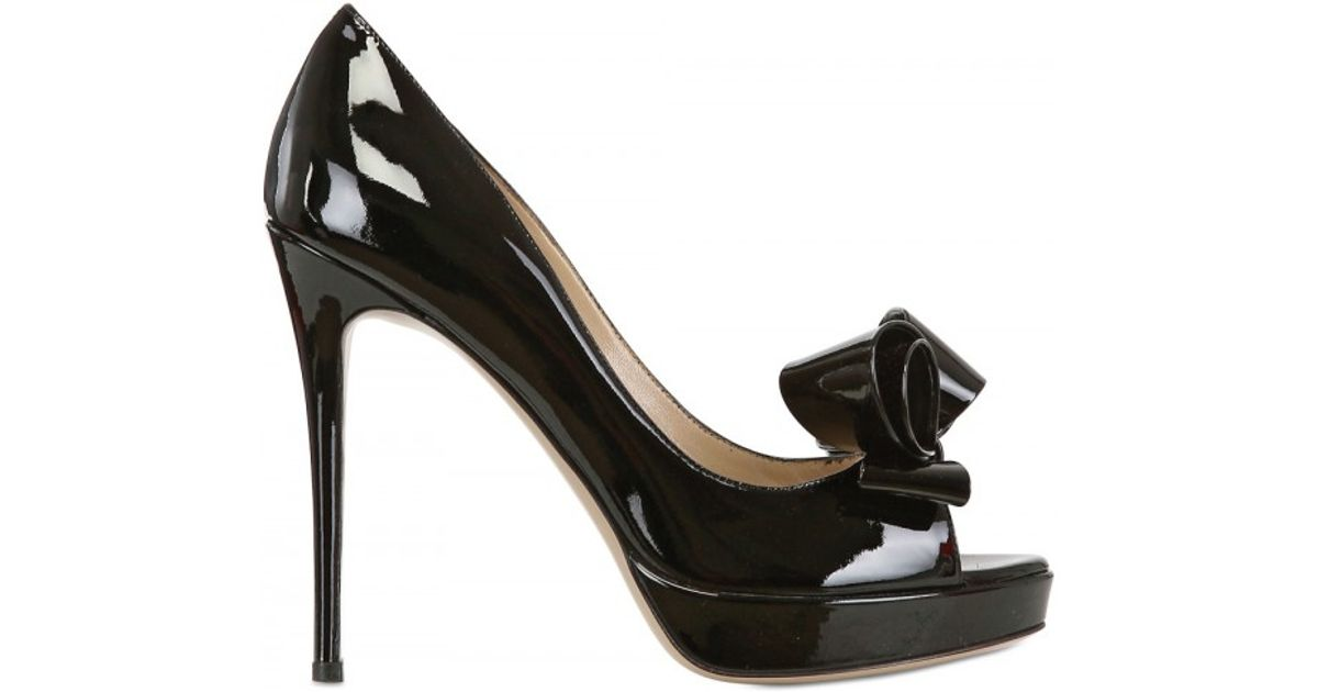 4f7f9e44357b Lyst - Valentino 120mm Patent Bow Open Toe Pumps in Black