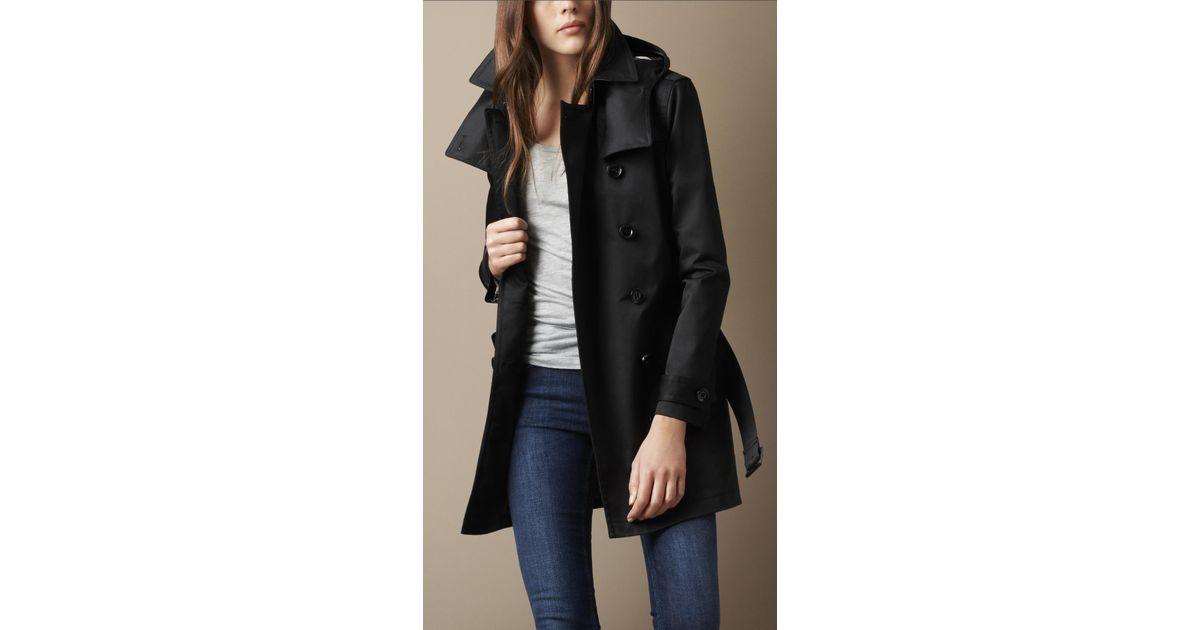 1e1ecdd3ad4 Burberry Brit Short Technical Cotton Twill Warmer Trench Coat in Black -  Lyst