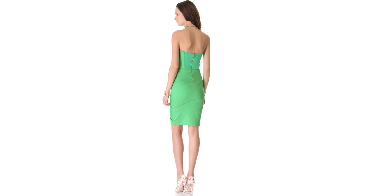 54461a2db486 Alice + Olivia Venus Strapless Dress in Green - Lyst