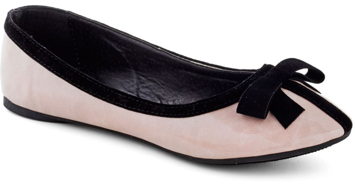 8e6e9a8d2 Lyst - ModCloth Sophisticated Socialite Flat in Black