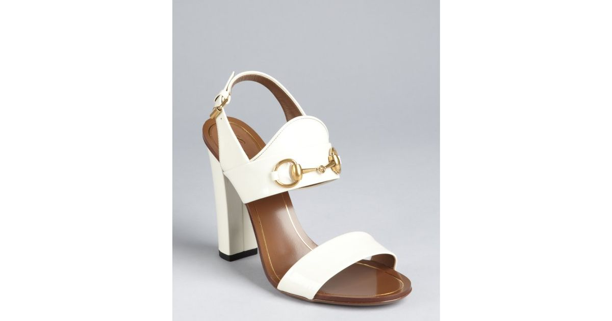 522842a6c73594 Gucci White Patent Leather Horsebit Block Heel Sandals in Natural - Lyst