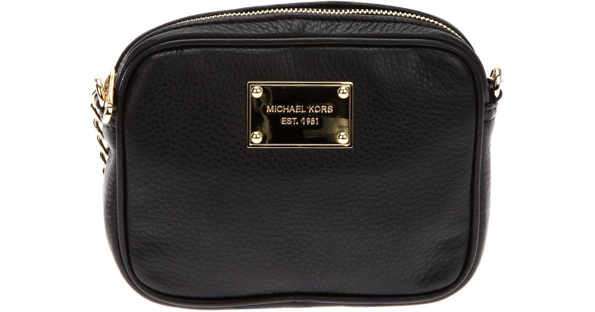 45a831f561f73a Michael Kors Logo Plaque Crossbody Bag in Black - Lyst