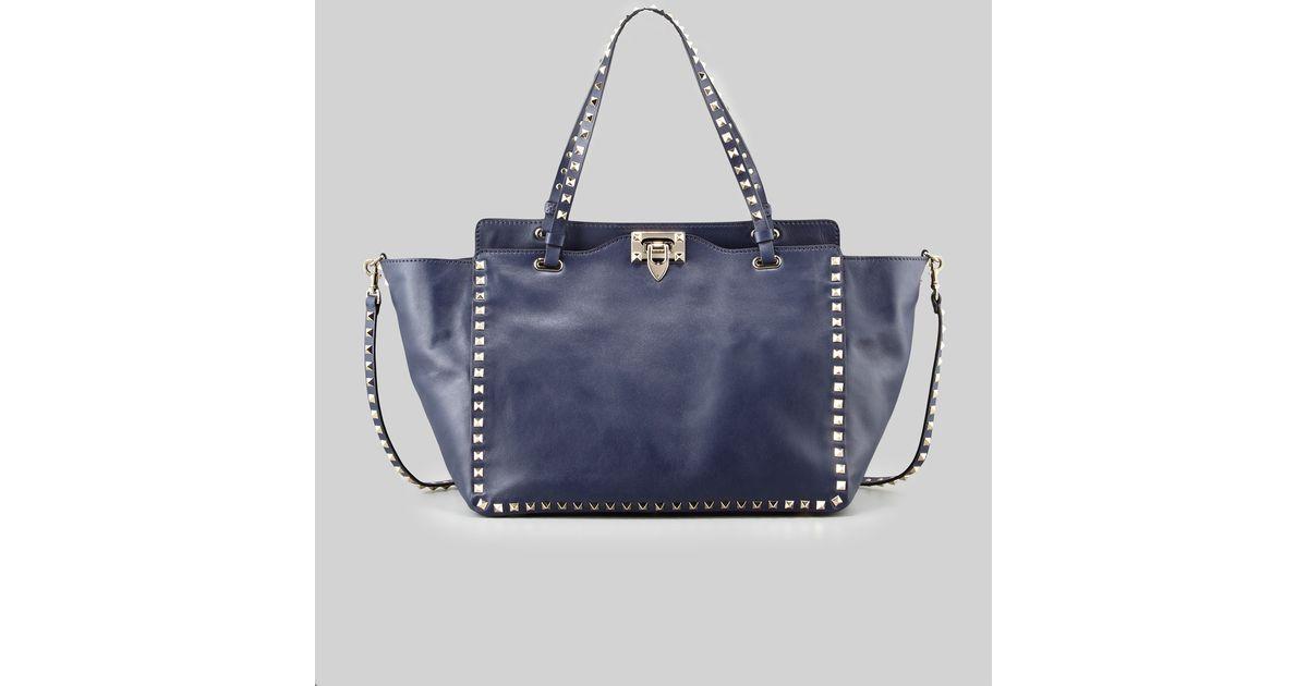 54c19bd8fc Valentino Rockstud Medium Vitello Tote Bag Navy in Blue - Lyst