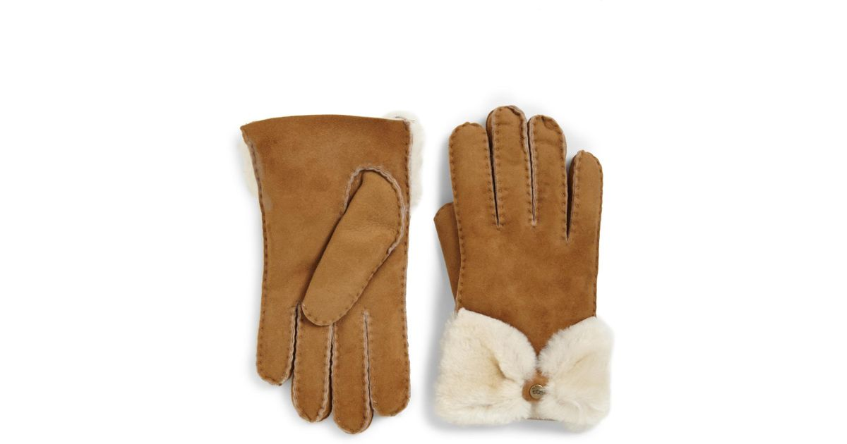 b98b00f4bfc UGG - Brown Shearling Bow Shorty Gloves - Lyst