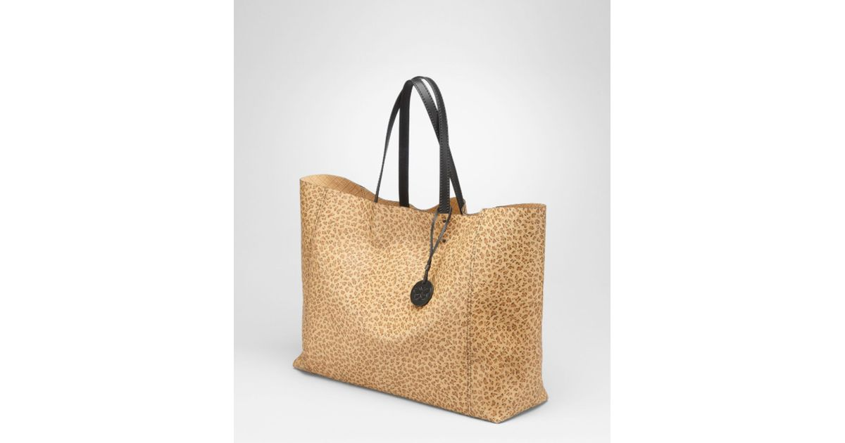 Lyst - Bottega Veneta Kenya Nero Intrecciomirage Large Tote 0514fb98c9111