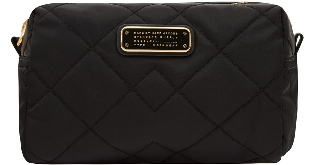 Marc By Jacobs Large Black Crosby Quilted Cosmetic Bag In Lyst