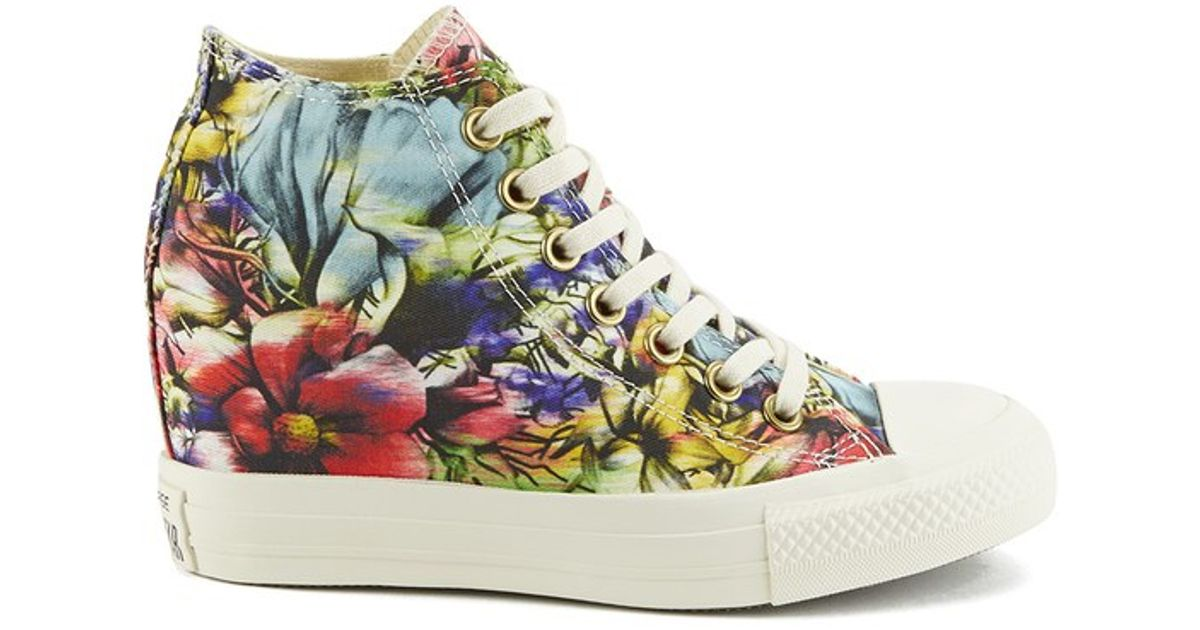 e921c0c67d80 Converse Women S Chuck Taylor All Star Lux Floral Print Wedge Hi-Top Canvas  Trainers - Lyst