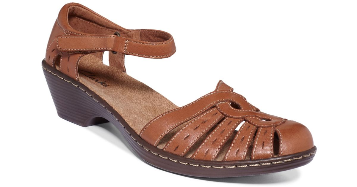 e804addcc8bd Lyst - Clarks Womens Shoes Wendy River Sandals in Brown