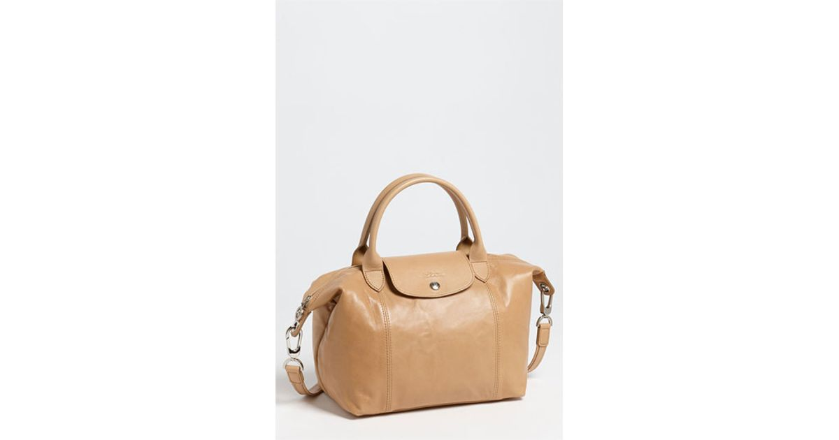 89f38bdf19b1 Lyst - Longchamp Le Pliage Cuir Leather Shoulder Bag in Natural