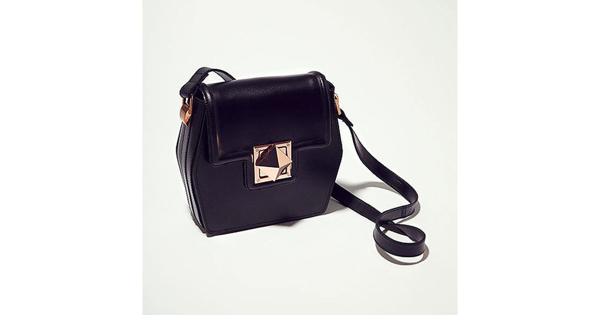 3a308b7909 TOPSHOP Hex Leather Crossbody Bag in Black - Lyst