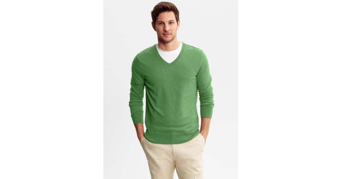 Lyst Banana Republic Silkcottoncashmere V Neck Sweater In Green For Men