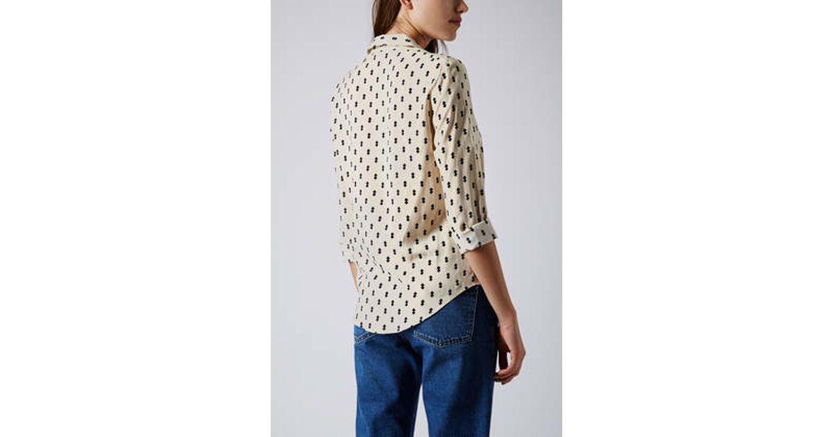 2d17cd2364fc0 Lyst - TOPSHOP Petite Diamond Print Shirt in Natural