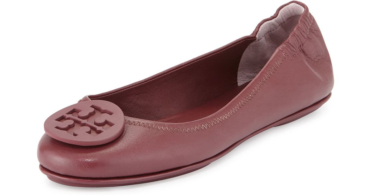 c76ae6c5b4fe8 Lyst - Tory Burch Minnie Travel Logo Ballerina Flat in Purple