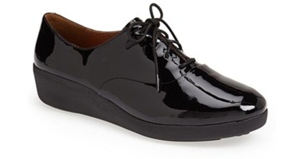 90da11bcca9d7e Lyst - Fitflop  f-pop  Patent Leather Oxford in Black