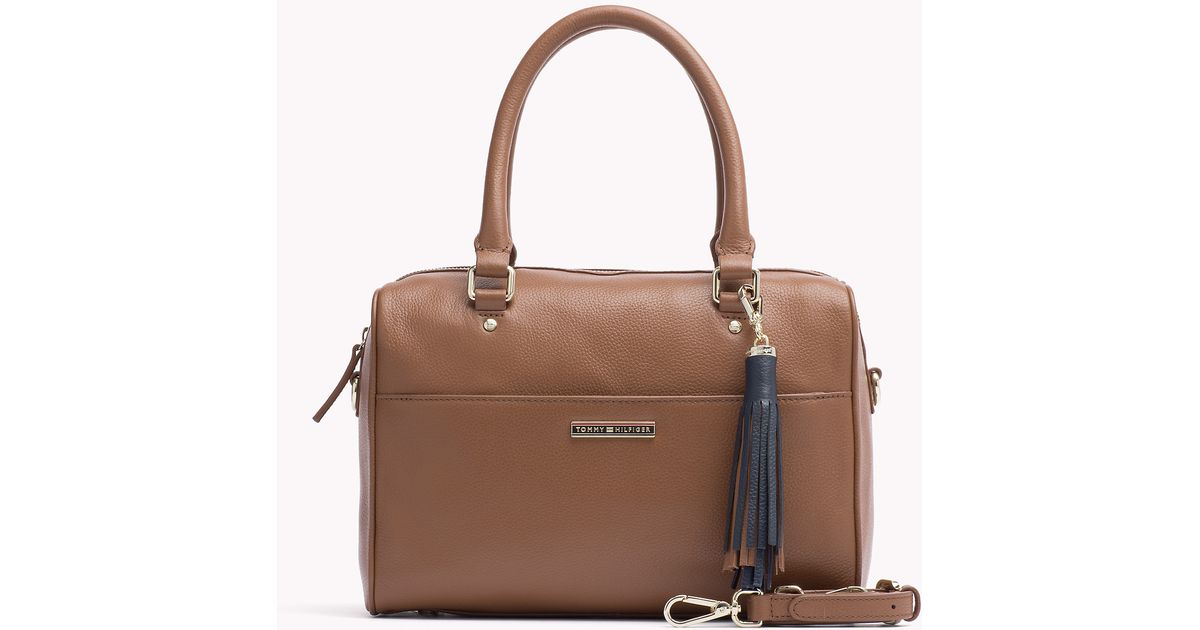 ea5f4ce983 Tommy Hilfiger Natalia Duffle Bag in Brown - Lyst