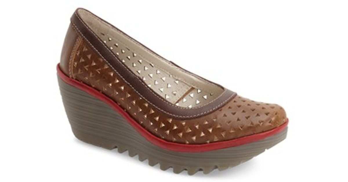 445b5bbb4bd Fly London  yare  Perforated Wedge Pump - Lyst