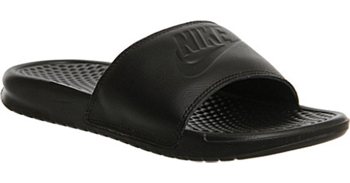 b23cc84929de Nike Benassi Pool Slider Sandals - For Women in Black - Lyst