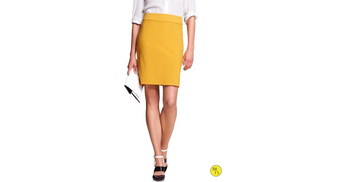 bff8994c51 Banana Republic Factory Solid Pencil Skirt Window Pane Print in Yellow -  Lyst