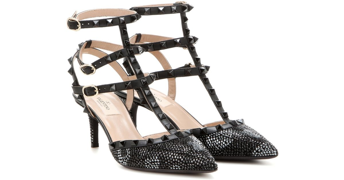valentino rockstud embellished leather kitten heel pumps in black lyst. Black Bedroom Furniture Sets. Home Design Ideas