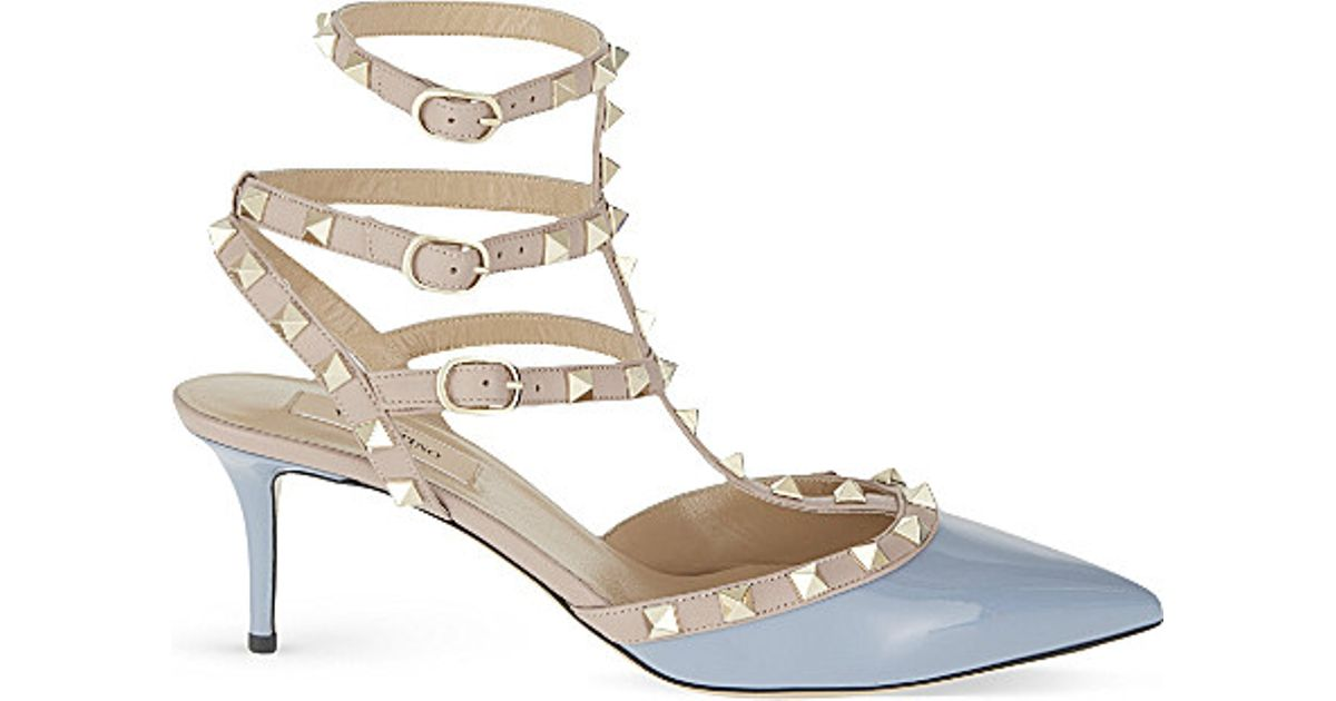 7b6282d6110c Lyst - Valentino Rockstud 65 Patent-leather Courts in Gray