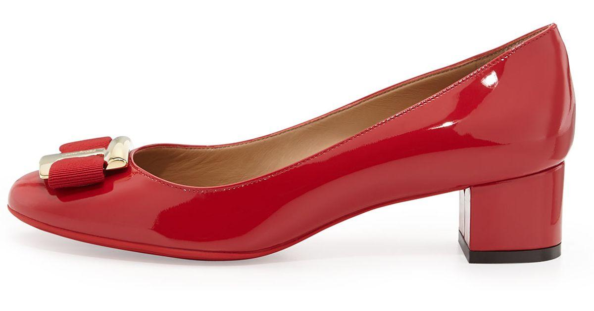 d3ae6bf7891 Lyst - Ferragamo Ninna Low-heel Bow Pump in Red