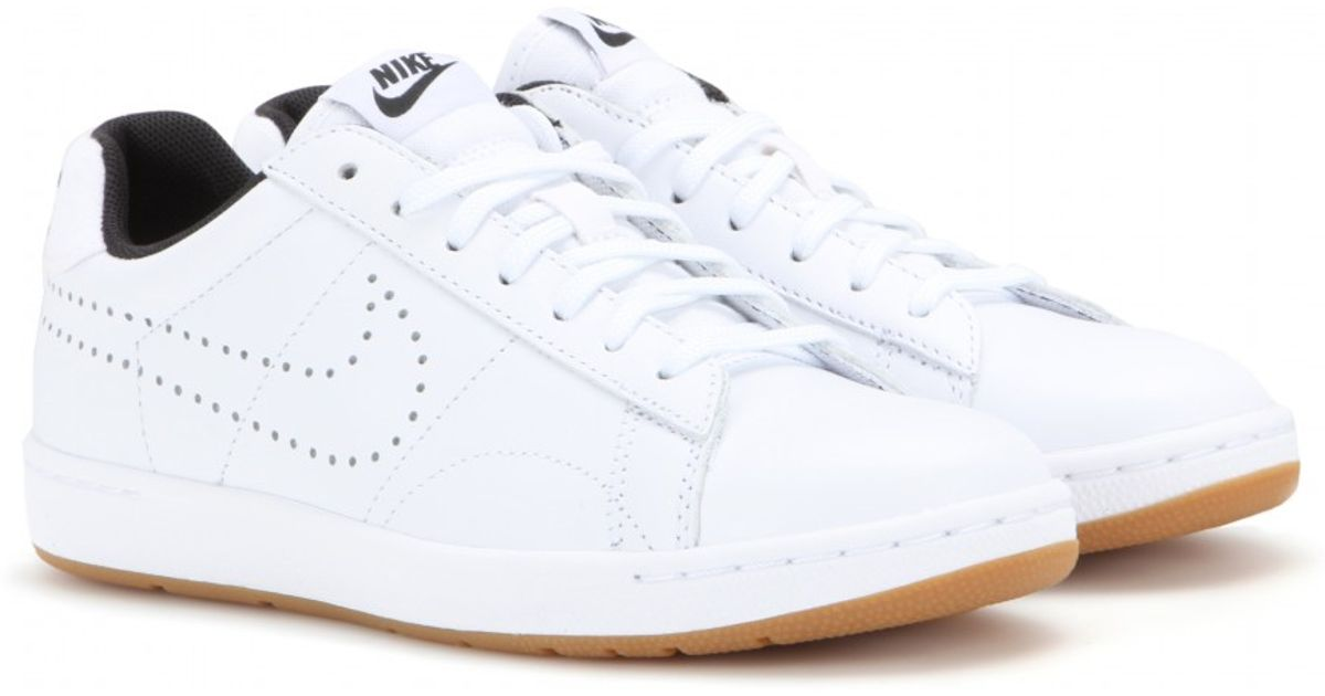 on sale dd950 6259e Nike Tennis Classic Ultra Sneakers in White - Lyst