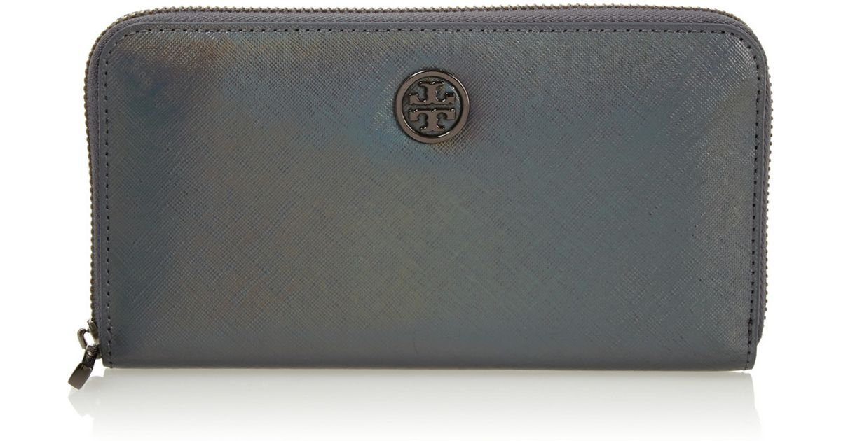 cb075336b546 Tory Burch Robinson Iridescent Textured-leather Continental Wallet in Gray  - Lyst