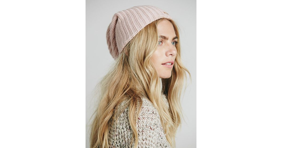 04e52109fef Free People Womens Capsule Slouchy Beanie in Pink - Lyst