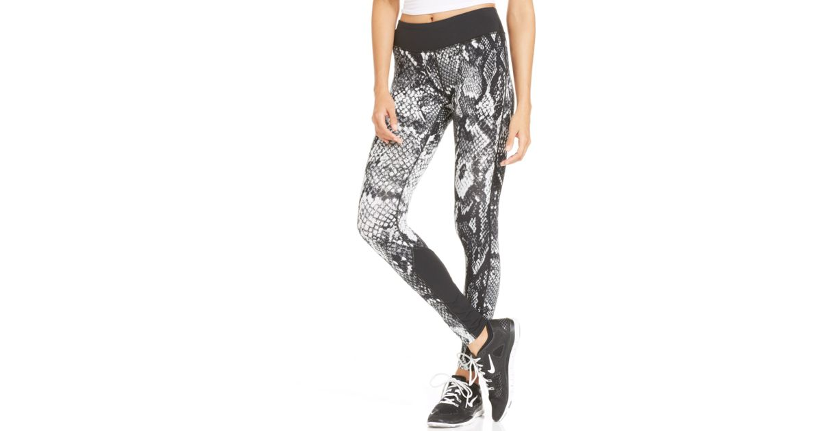sports shoes d9d58 4b91e Nike Epic Lux Printed Dri-fit Leggings in Gray - Lyst