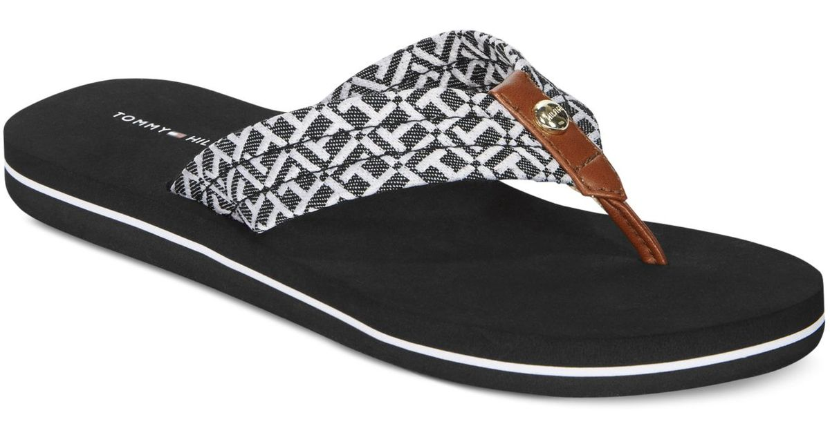 lyst tommy hilfiger claran flip flop sandals in black. Black Bedroom Furniture Sets. Home Design Ideas