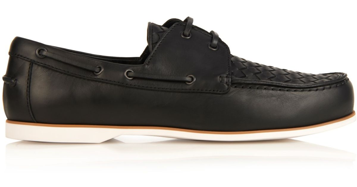 bottega veneta intrecciato leather deck shoes in black for