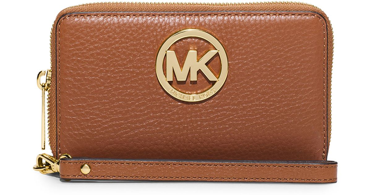 7266cc90e8e9 Lyst - MICHAEL Michael Kors Fulton Large Flat Multifunction Phone Wallet in  Brown