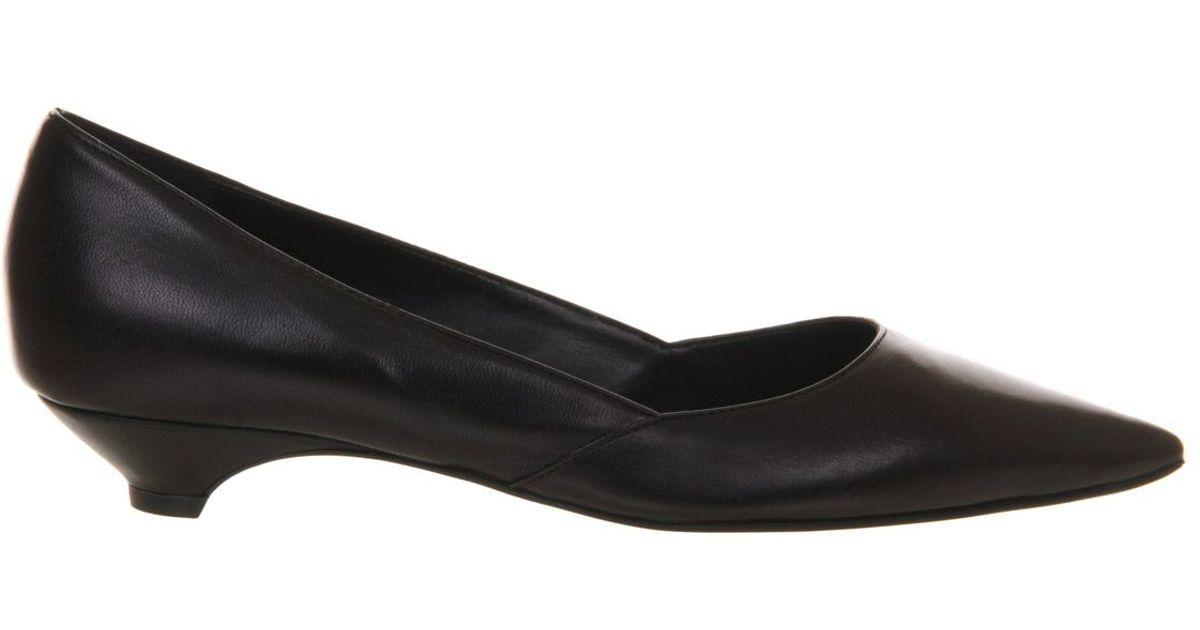 office krumbs low heel court shoes in black lyst