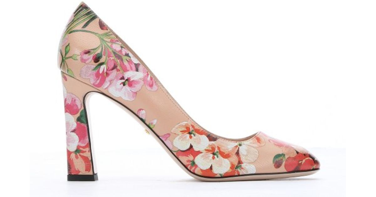 d83fc9271966a8 Gucci Apricot And Pink Blooms Print Leather Pumps In Natural Lyst