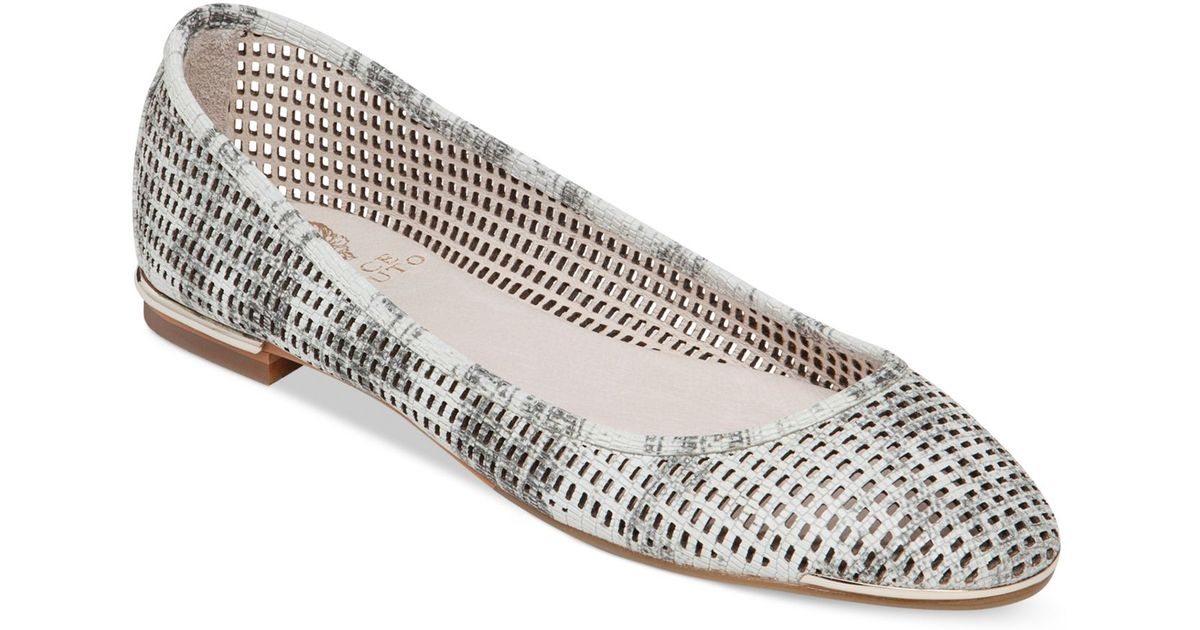 Vince Camuto Embossed Metallic Flats outlet manchester great sale mLBEuw