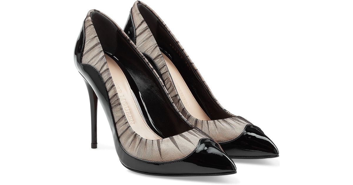 2ff9ca8ee5ab Lyst - Alexander Mcqueen Patent Leather Pumps With Mesh - Black in Black