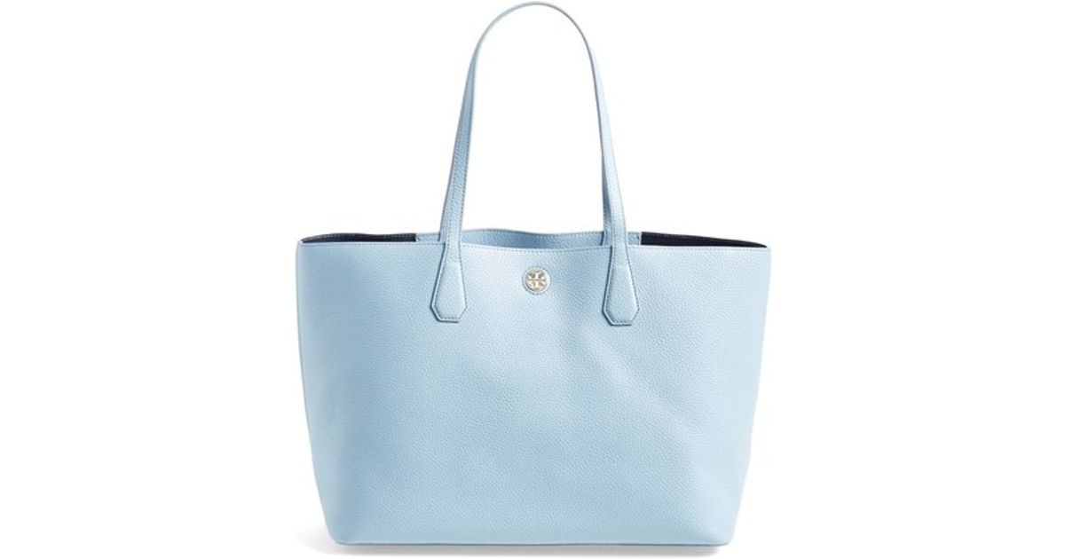 95d3756fc38 Lyst - Tory Burch  perry  Leather Tote in Blue